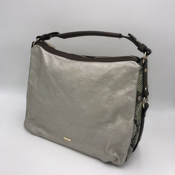 vista frontal bolso hobo metalizado serpiente